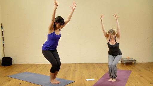 Video thumbnail for: Revitalizing power yoga flow