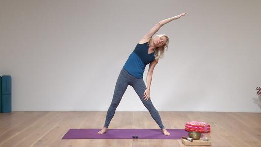 Video thumbnail for: Pranayama + Yin yoga + meditation: Letting go