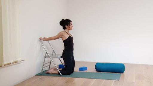 Video thumbnail for: Explore your shoulder mobility