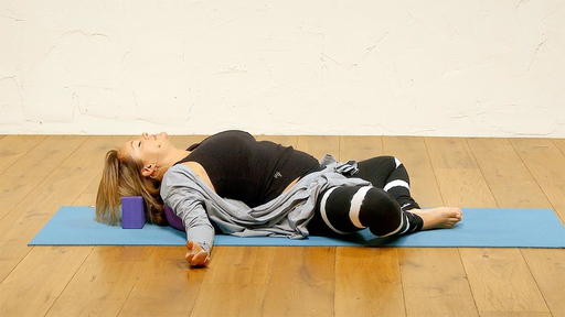 Video thumbnail for: Bedtime practice for deep sleep