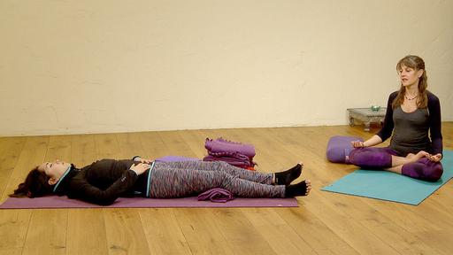 Video thumbnail for: Yoga for better sleep