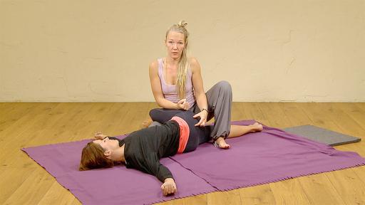 Video thumbnail for: Leg love / Thai Massage