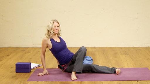 Video thumbnail for: A light Hatha Yoga practice