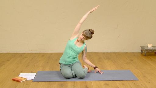 Video thumbnail for: Yoga for Women, Full Moon practice