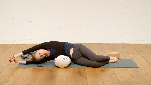 Video thumbnail for: Yin yoga - a gratitude practice