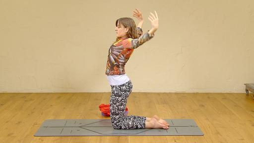 Video thumbnail for: Postnatal Yoga: stabilize your pelvis