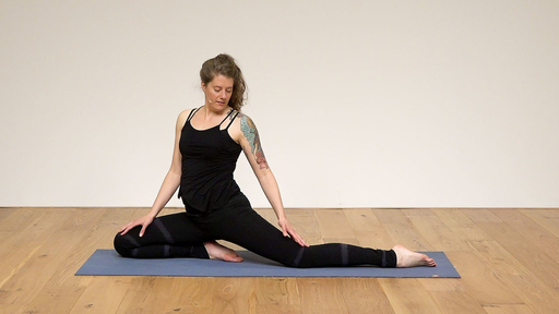 Video thumbnail for: Calm down  A cooling and balancing Pitta Dosha class