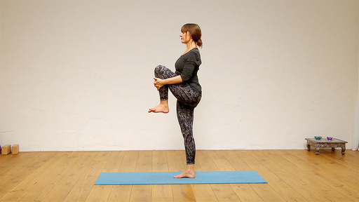Video thumbnail for: Yoga for your work break - standing postures and balances