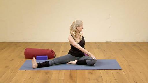 Video thumbnail for: Yoga for better sleep 7