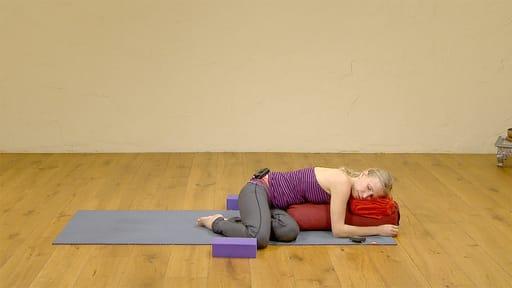 Video thumbnail for: Yoga for better sleep 5