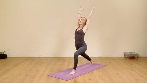 Video thumbnail for: Mini vinyasa krama to warrior 1 pose