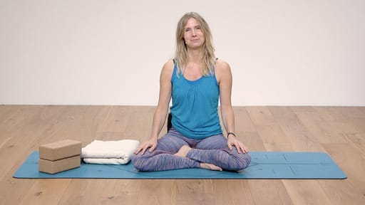 Video thumbnail for: Yoga for Beginners Course Class 1 - Important things to know before you start
