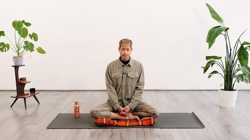 Video thumbnail for: A pause that restores - Micro Yoga Nidra