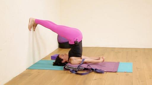 Video thumbnail for: Iyengar Yoga for beginners 5