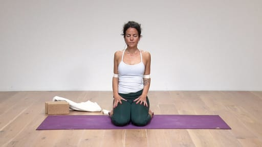 Video thumbnail for: Rest and relax with Viloma Pranayama