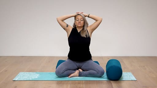 Video thumbnail for: Find balance in trying times - Mudra meditation