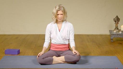 Video thumbnail for: Pranayama / breathing awareness exercise