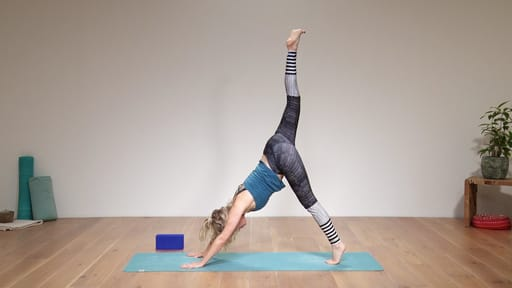 Video thumbnail for: Functional yoga - hips and legs