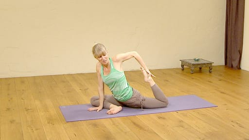 Video thumbnail for: Yoga quickie from top to bottom
