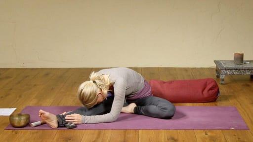 Video thumbnail for: Yin Yoga for detoxing