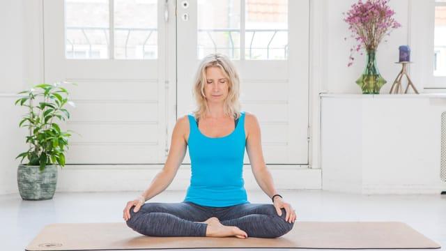 Thumbnail for program: 5 minute breathing exercises